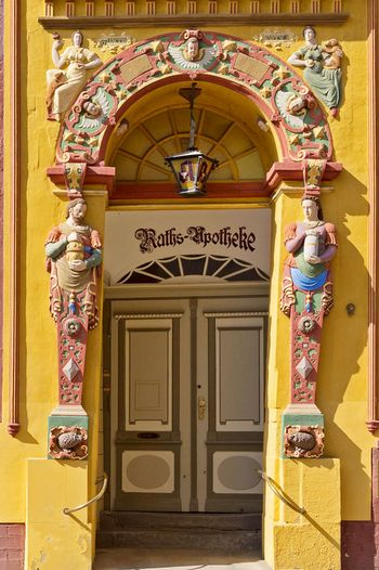 <p>Managing Director Harald Alps is particularly proud of the design of the colorful sandstone portal of the Lüneburg Raths pharmacy</p>